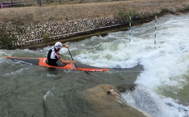 Peter Linksted places 9th in the canoe slalom, at the Junior World Championships.