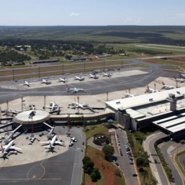 Brasilia Airport deploys Aimetis VMS to manage 1000 Axis cameras.